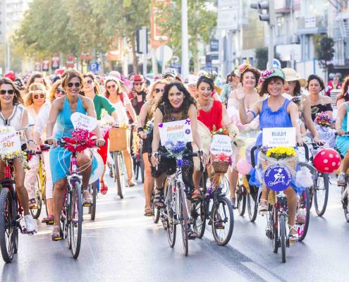 Radlerinnen beim Fancy Woman Bike Ride